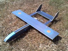 I'm constantly on the lookout for interesting and simple airplane designs. This design from foamflyer is interesting in a couple of different ways. First of all, it's made from cheap dollar tree foamboard, which is nice. It has an overall pleasing shape with a nice KFm3 style airfoil, constructed a bit differently than the one…