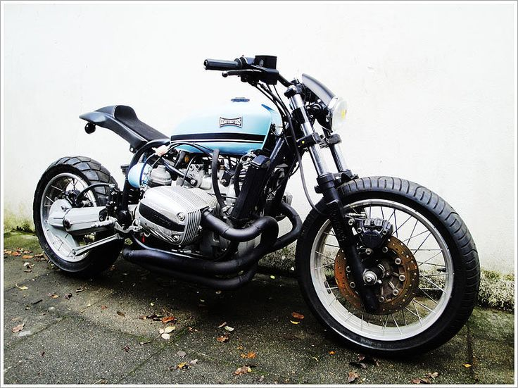An new BMW engine in a old BMW frame... as a street tacker. Heck. Yes.