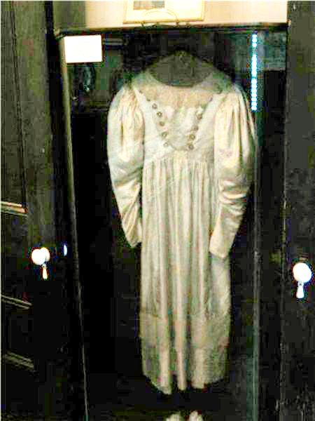 9 Most Haunted Objects Of All Time - Haunted Wedding Dress Dances On Its Own