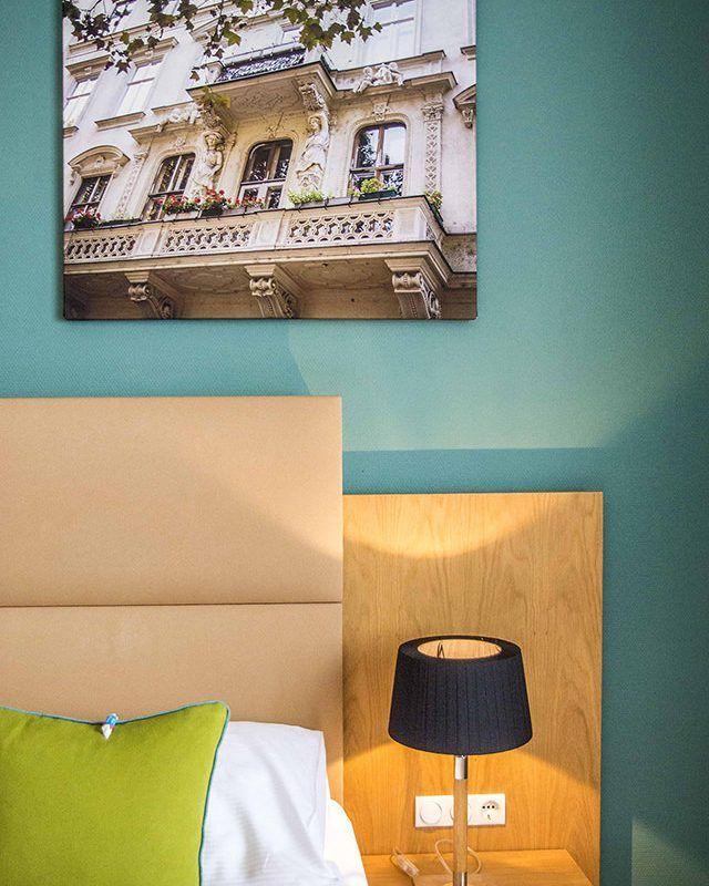 Hotel in Wien - Das Capri. Top-Lage, große Zimmer, Frühstück inkludiert, freies WLAN, privat geführt, Zimmer ab € 81,00. Beste Leistung bei DIREKTBUCHUNG.