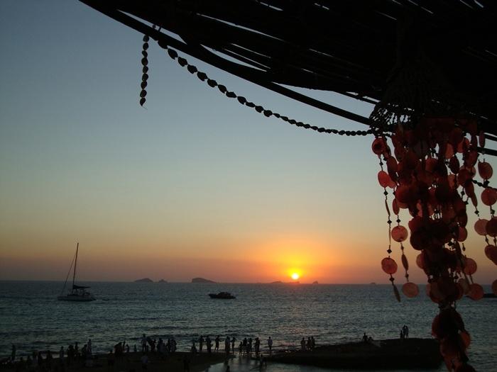 Ibiza sunset at Platges de Comte - Puesta de sol en Platges de Comte Ibiza.                                                                                                                                                                                 Más