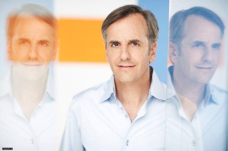 Enquête exclusive : nationalisme, radicaux : la droite du Front. 31/10/14. 23:00. M6