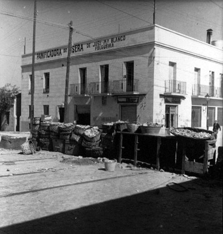 ::: MEMORIA DE MADRID :::Panificadora de Usera durante la Guerra Civil Fecha: 1937 Lugar: Madrid (Carabanchel)