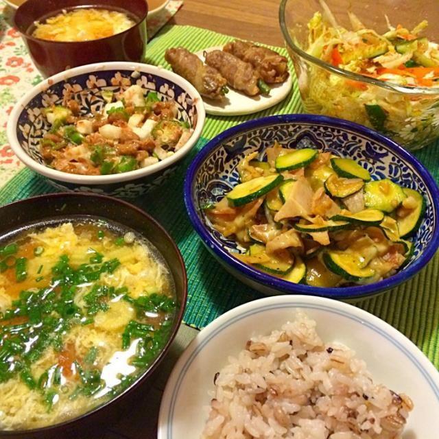 最近サボり気味だったので久々かも - 12件のもぐもぐ - ハム・チーズ・ズッキーニのにんにく炒め、トマトとベビーコーンのかき卵スープ、長芋オクラ納豆、サラダなど by Junya Tanaka