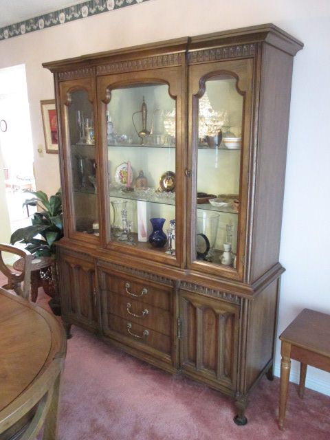 VINTAGE CHINA CABINET Estate sale from classy Upper Hunt Club home – 114 Topley Crescent, Ottawa ON. Sale will take place Sunday, May 10th 2015, from 8am to 2pm. Visit www.sellmystuffcanada.com to view photos of all available items!