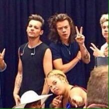 One Direction's meet & greet (Larry)