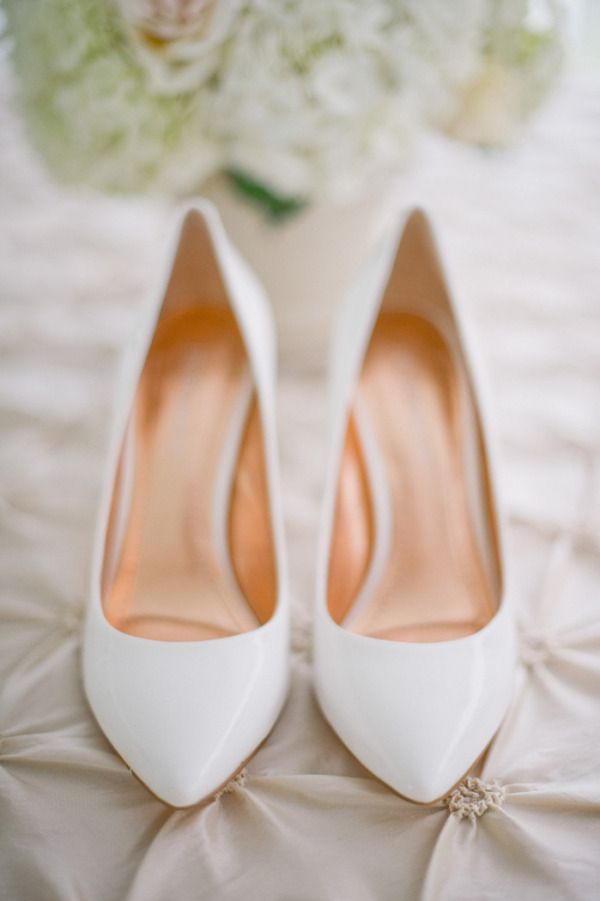 the perfect white heels  Photography by harwellphotography.com