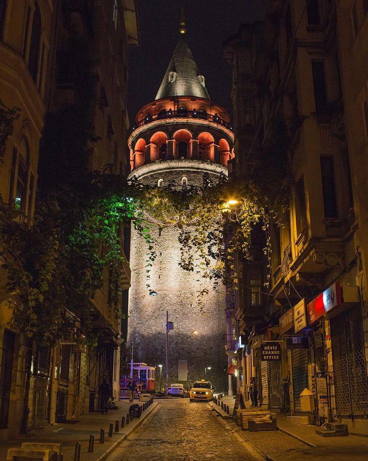Galata Kulesi-İstanbul By mustafaseven