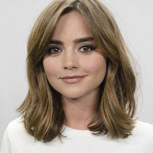Shout out to my favourite girl Jenna Louise Coleman  A month ago I cut my hair into a bob and I am in love with it! I have had long hai...