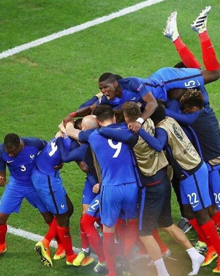 paulpogba_fans.ig en 2020 Football, Fiers detre bleus