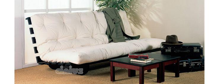 Si trasforma in un letto 140x200 cm! In legno massello di abete o di faggio lamellare, è disponibile in ben 29 colorazioni.