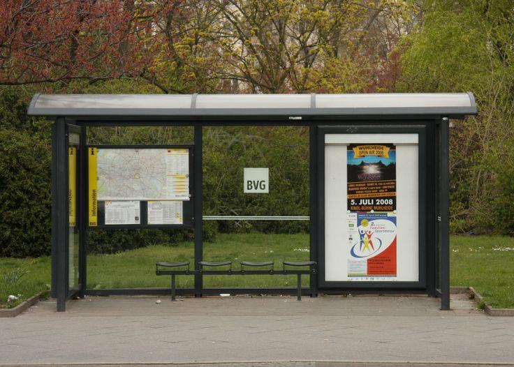 Yellow Punto On Tour: Berlin Bus Stop