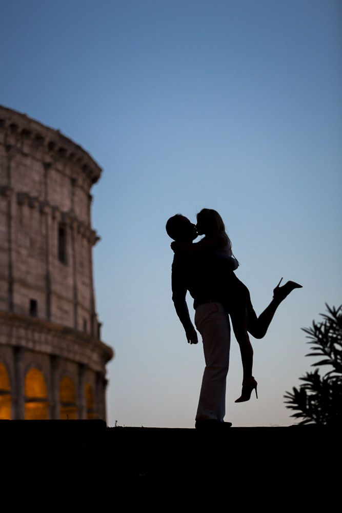 #Engagement photography. Silhouette couple in Rome. Picture by Andrea Matone photography www.andreamatone.com