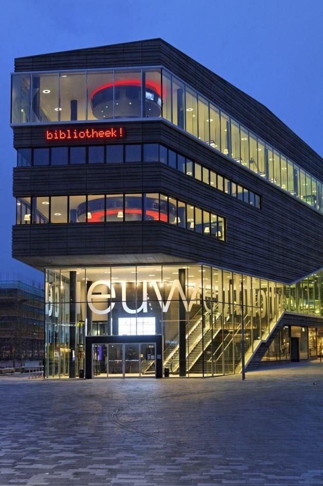 Almere (holland) public library