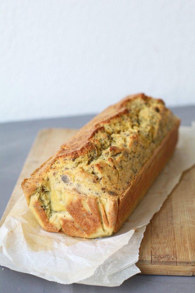 Dit geweldige glutenvrij erwten en zadenbrood komt uit het boek van Jamie Oliver, Jamie's super food voor elke dag. Een dik boek vol heerlijke, gezonde recepten en prachtige foto's. Ik haal hier heeel veel inspiratie uit en dit is zeker een boek om aan te schaffen wanneer je een echte health freak