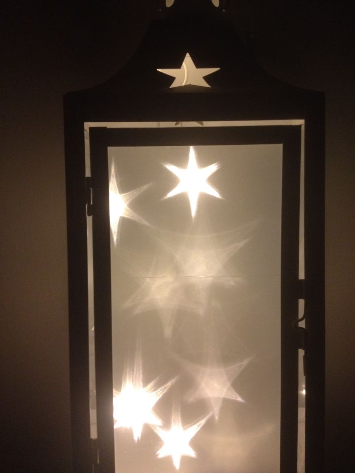Matt glass lantern transforms regular leds into stars!
