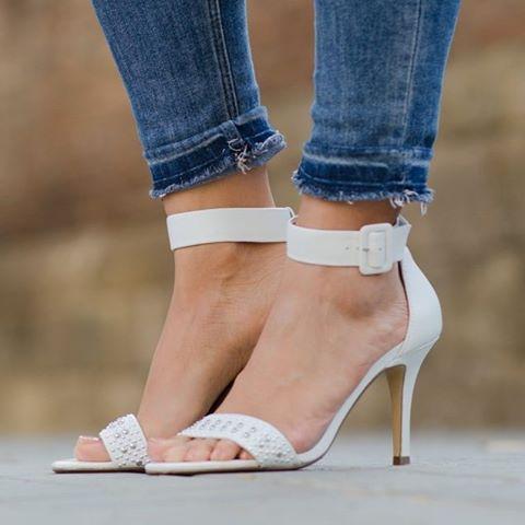 The latest on klausstrofobia.com #fashionblog #bloggermexicana #outfit #ootd #ootdsubmit #instaglam #Fashion #style #look #lookbook #barcelona #instalmanya #streetstyle #mexicanfashionbloggers #inspiration #liketkit  #whatiwanttowear #wearit_loveit #streetstyleinspiration #ootdfash #whiteheels #stevemadden by klaussstrofobia