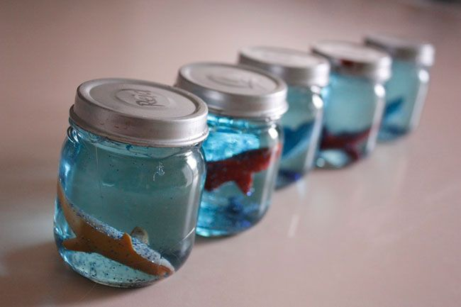 Spring is {thisclose} to being here, and that means that summer party planning is already underway! If an Under the Sea theme party on your list, here's a great little party favor and craft idea that you'll love. It's courtesy of Delia of Delia Creates, ...