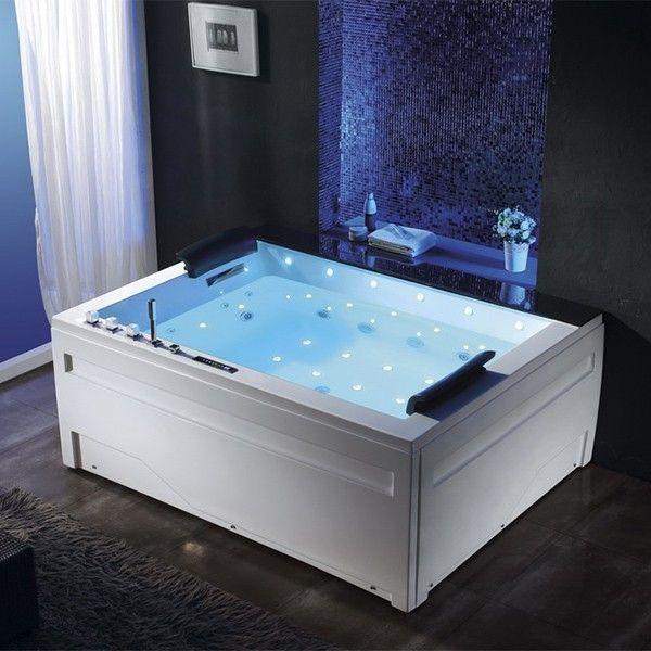 Baignoire balneo deux places très élégante avec grande cascade latérale esthétique et cascades de massages cervicales