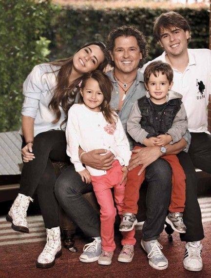 Carlos Vives en Mamá Beauté: el cantante colombiano le envía un cálido saludo a las cámaras de #BeautéTV #CarlosVives #papásfamosos