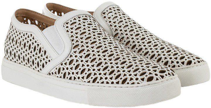 Pin for Later: 18 Schuhe, die ihr getrost ohne Pediküre tragen könnt  Lola Cruz Slip-On Sneaker mit Laser Cutouts (199 €)