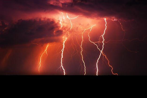 https://www.google.com.au/search?client=firefox-b&dcr=0&biw=1429&bih=692&tbm=isch&sa=1&ei=xVEvWoriJomW8wXe_K7oDQ&q=thunderstorm+british+columbia&oq=thunderstorm+british+columbia&gs_l=psy-ab.3...6875.6875.0.7471.1.1.0.0.0.0.250.250.2-1.1.0....0...1c.1.64.psy-ab..0.0.0....0.0YCbC8MssU8#imgdii=VYxXOYom3uNXcM:&imgrc=VRCKcnd7wRtoAM: