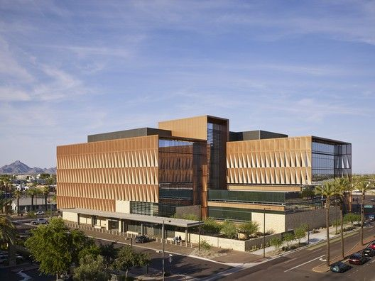 7 Projects Announced as Winners of AIA National Healthcare Design Awards,The University of Arizona Cancer Center (UACC) at Dignity Health St. Joseph's Hospital and Medical Center; Phoenix / ZGF Architects LLP. Image © Nick Merrick / Hedrich Blessing Photographers