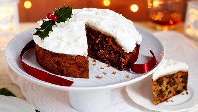 Το τέλειο, κλασικό Χριστουγεννιάτικο κέικ. Μια εύκολη συνταγή για ένα υπέροχο κέικ με αποξηραμένα φρούτα και αλκοόλ, το κλασικό κέικ για το οποίο προτείνετ