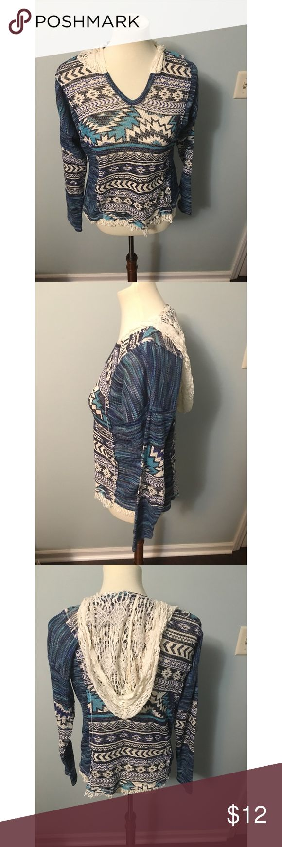 Women's Blue Aztec Print Top Hooded. Perfect for jeans on a casual day. Never worn. Good stretch. Tops