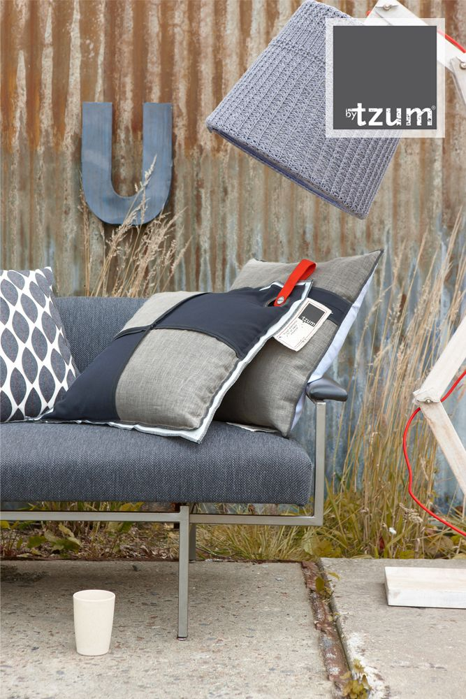 Original #curtains for an easy lifestyle. Ruw en stoere grijstinten. Mooie #gordijnen voor de woonkamer of slaapkamer. www.onlinegordijnenshop.nl www.onlinegordijnenshop.be