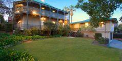 Majestic renovated mansion, superbly renovated, wide wraparound iron lace verandahs