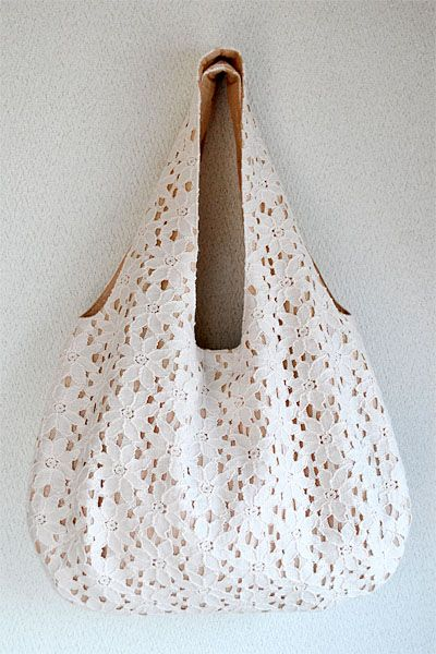 OMG gonna copyyyy the lace! free reversible bag pattern by very purpleperson