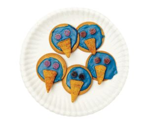 Marie biscuits decorated to look like owls