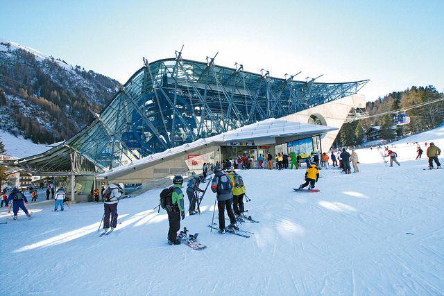 Family ski holidays with Alihoco .