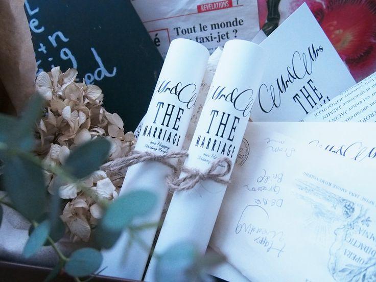 """2014年に発売以来、人気の手作りキット。 古書のようなあたたかさと、クラシカルで上品なMARRIAGEシリーズの""""Bonjour!!""""です。  #ロール席次表 #くるくる席次表 #巻物風席次表 #ナチュラル席次表 #結婚式準備 #フラベガーデン"""