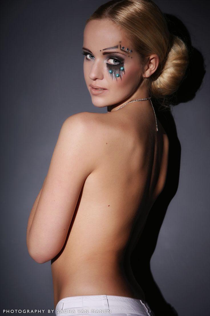 Nicole Jansen - beauty  Make up and hair by @Dominique Aizpurua Flugelman van Dijk