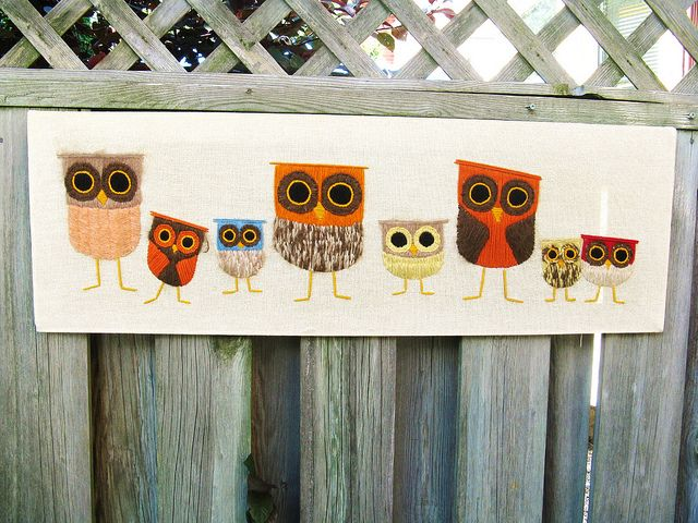 really cute @Renee DavisVintage Owls, Little Crafts, Owlsrom Valentine, Crochet Heart, Apartment Living Rooms, Owls Things, Owls Art, Owls Obsession, Hootie Owls