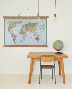 Super hippe wereldkaart poster in vintage stijl maar helemaal actueel. Met een educatief tintje; alle landen van de wereld staan op de kaart. In het Nederlands, zodat kids de landen zelf op kunnen zoeken. Zo wordt topografie een eitje. De poster is inclusief houten ophangsysteem.   Design: Tinkle&Cherry   www.tinklecherry.nl