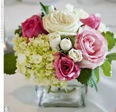 Centre de table pivoines hortensias roses 15 €