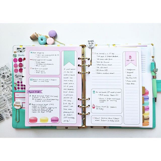 Last week was really busy for us getting ready for school this week on top of many other things.  I used @marionsmithdesigns Sweet Life daily planner pages to keep all my to do's, notes and schedule for back to school all in one spot!  Would be perfect for planning a party or event too!