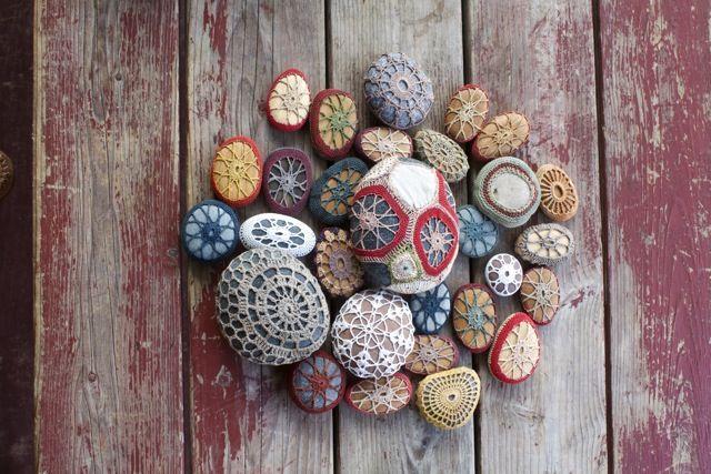 covered-stones-ganchillo-adoraideas-2