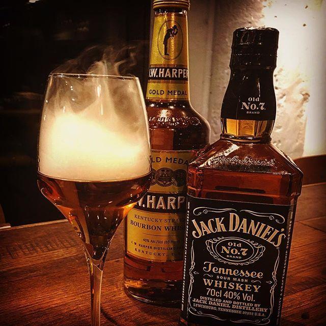 ㅤㅤㅤㅤㅤㅤㅤㅤㅤ 【Smoked Whiskey】 #jackdaniels#iwharper#whiskey#beer#wine#craftbeer#meat#meatshop#buchers#hanasakibutchersstore#yokohama#arugentina#grill#grilled#smoke#sumoked#スモーク#スモーキー#ウィスキー#スモークウィスキー#肉屋#肉#肉盛り#アサード#アルゼンチン#ビール#ワイン#クラフトビール#横浜#野毛
