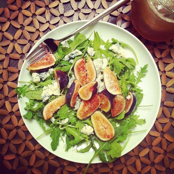 Last night's dinner // Arugula, Fig, and Gorgonzola Salad. #Organic ...