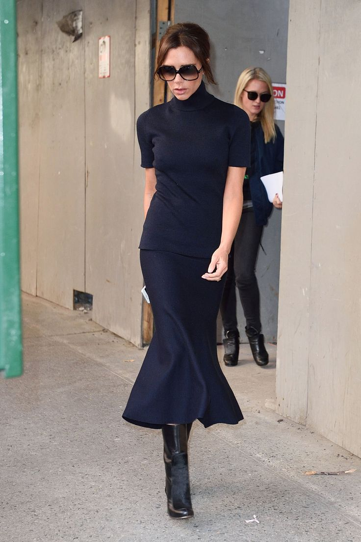 Victoria Beckham Shows How to Pull Off Fall's New Skirt Silhouette Photo: Ron Asadorian / Splash News