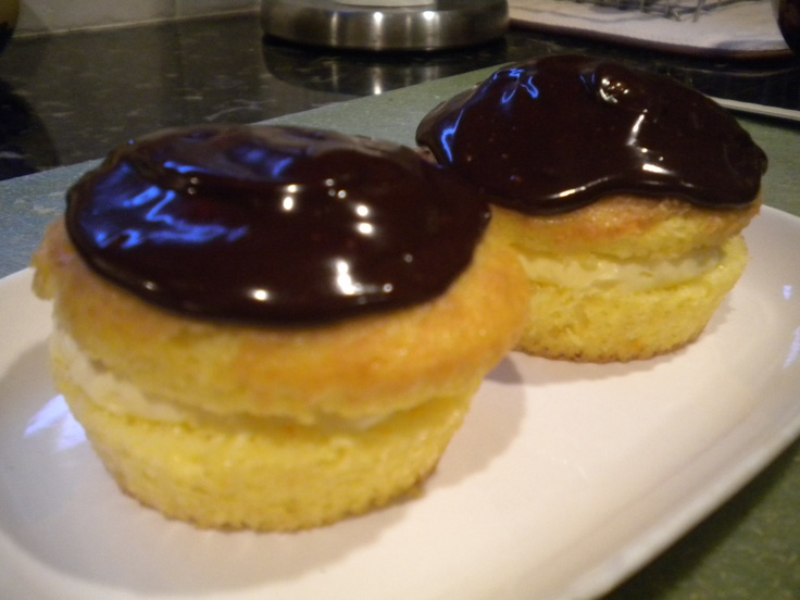 one of my fav and easiest cupcakes- Boston Creme Pie cupcakes! yum