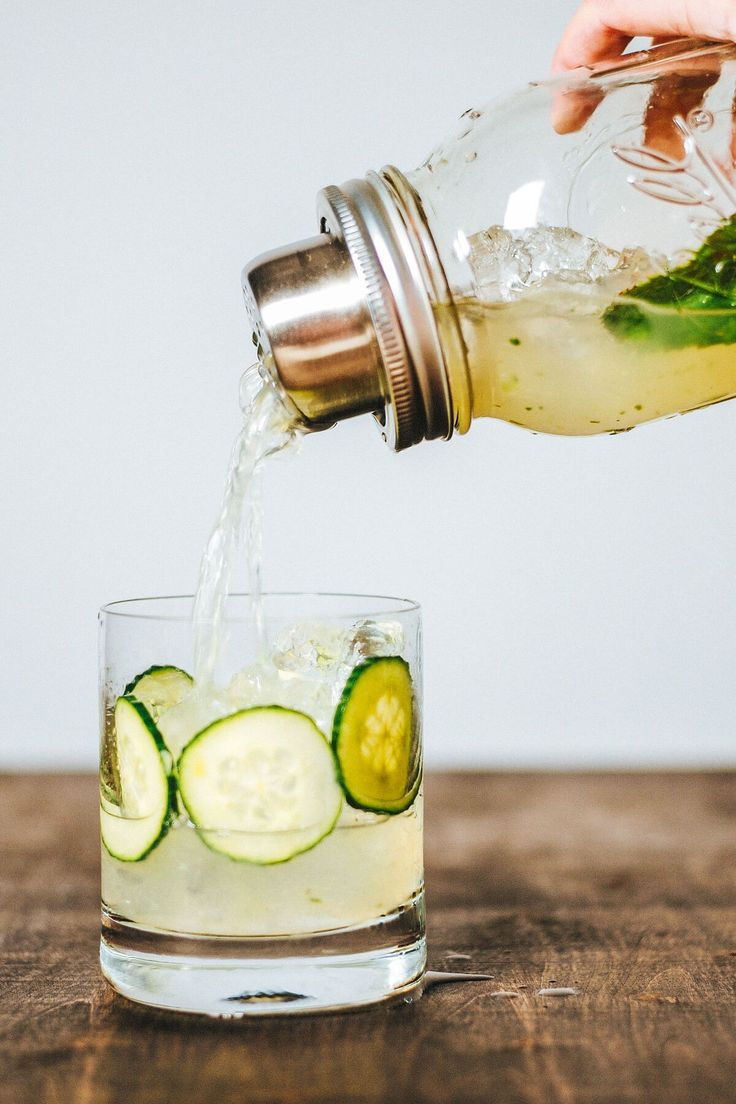 This Cucumber Rickey is a refreshing mint and cucumber cocktail. A rickey is a carbonated cocktail made with gin or bourbon, lime, and soda water.