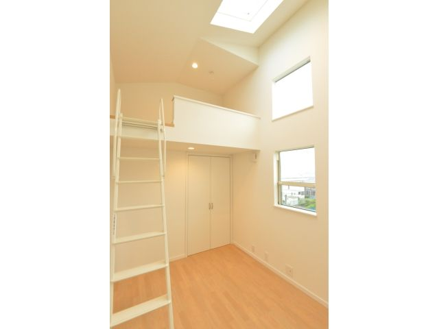 Onocom Design Center 陽がたっぷりの明るい子ども部屋。