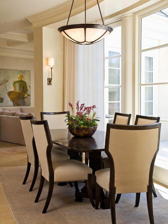 View This Great Traditional Dining Room With Wall Sconce Simple Marble Tile Floors By Sutton Suzuki Architects Discover Browse Thousands Of Other Home