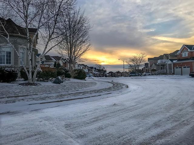 #suburbs #sunrise #clouds #morning #homes #roads #winter #snow #iphone7plus #iphonephoto #iphonephotography #sauravphoto