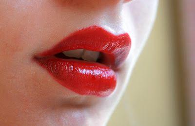 Kiko Luscious Cream- Creamy Lipstick, 509 Rosso fuoco